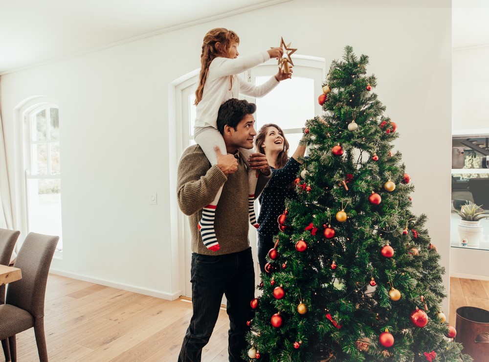 Finding The Perfect Christmas Tree Spot: 8 Things To Keep In Mind